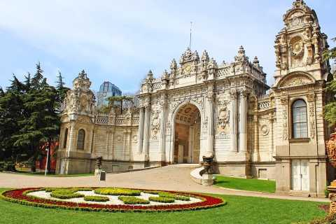 Dolmabahce Palace: Skip-the-Line Ticket and Audio Guide