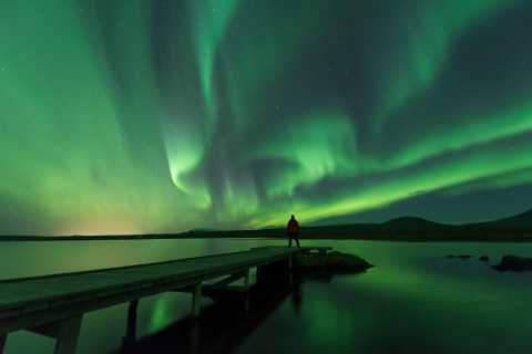 Reykjavik: Small Group Northern Lights Tour