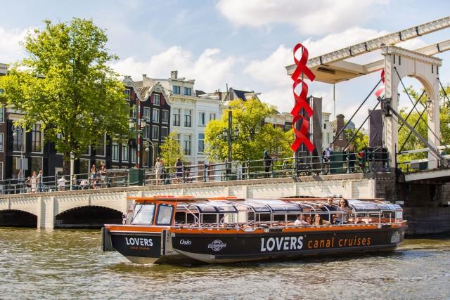 Amsterdam: grachtenrondvaart in halfopen boot