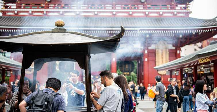 Tokyo: 2-Hour Asakusa Food Hunt & Cultural Tour