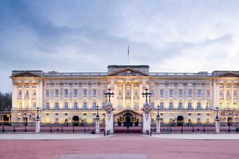 London: Royal Walking Tour with Buckingham Palace Visit