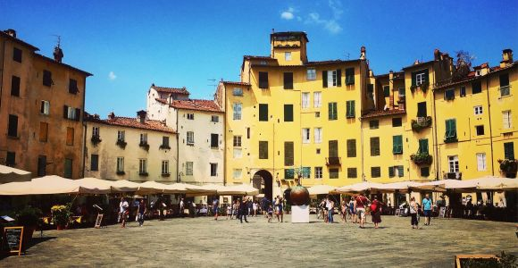 Lucca: 2-Hour City Center Walking Tour