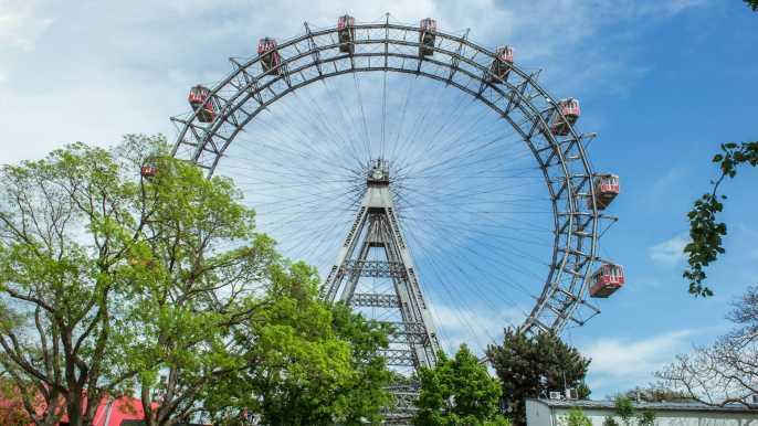 Vienna: Skip-the-Line Giant Ferris Wheel Ride