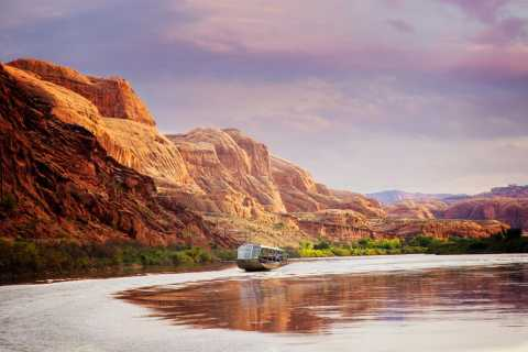 Moab: Colorado River Sunset Boat Tour with Optional Dinner