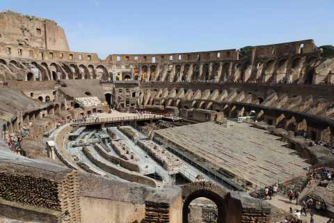 Rome: Colosseum and Ancient Rome Small Group Tour in Russian