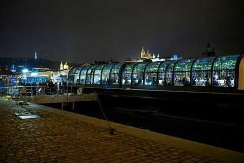 Prag: 4,5-timmars kryssning på nyårsafton med ett live-jazzband