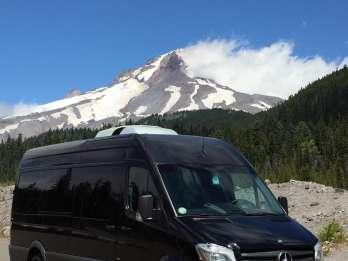 Portland: Ganztagestour zu den Mount Hood Weinen und Wasserfällen