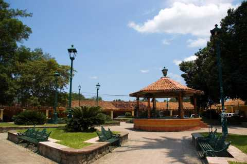 El Tuito: Hidden Mexico Tour with Lunch