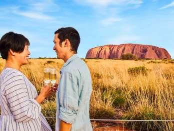Uluru: Sonnenuntergangs-Tour mit Sekt & Käseplatte