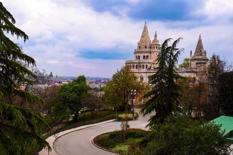 Budapest: Castle Hill History & Mystery Discovery Game