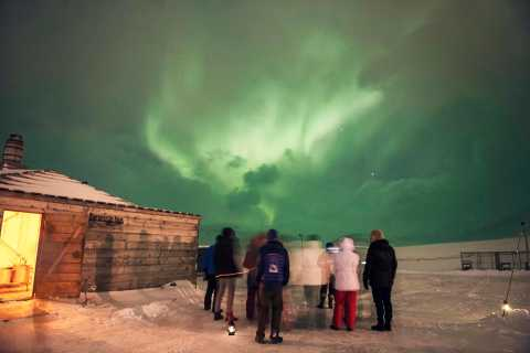 Longyearbyen: Northern Lights Evening with Dinner