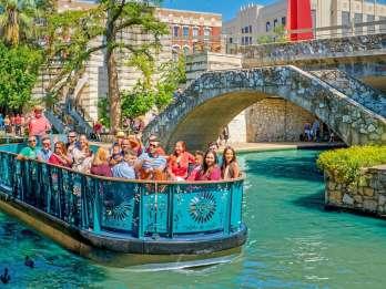 San Antonio: Flusskreuzfahrt und Hop-On-Hop-Off-Buspass