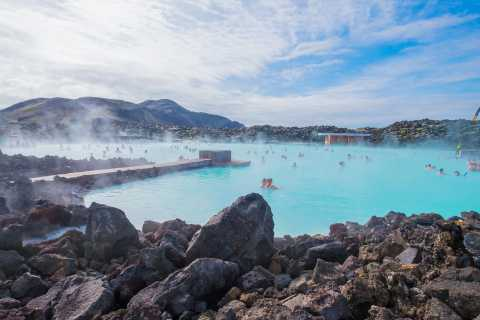 Reykjavik: Golden Circle Day Trip with Blue Lagoon Transfer