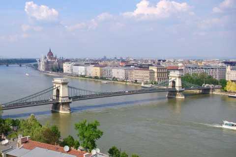 Tour de Budapeste em 8 idiomas