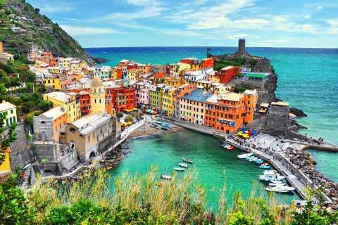 From La Spezia: Cinque Terre Tour with Limoncino Tasting