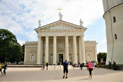 Vilnius: Then and Now Old Town Tour