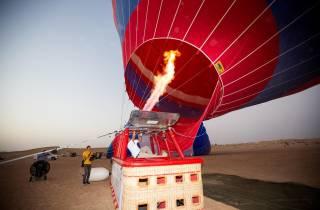 Dubai: Heißluftballon, Wüstensafari, Quad Biking und mehr