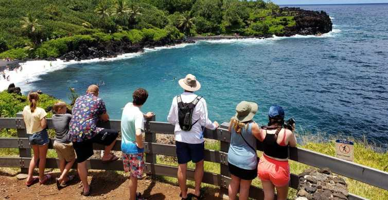 Maui: Road to Hana Adventure with Breakfast & Lunch