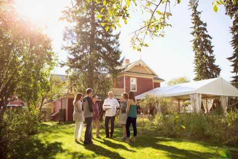 Calgary: Food Walking Tour in Historical Inglewood