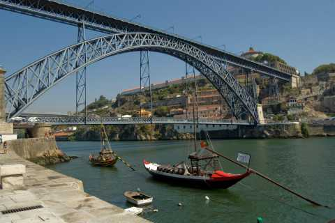 From LIsbon: Full-Day Guided Tour to Porto