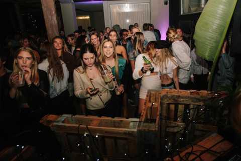 Cape Town: Nightlife Experience Pub Crawl