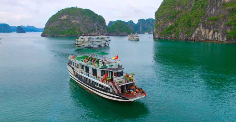 Hanoi: 2-Day Bai Tu Long Bay Cruise Excursion with Guide