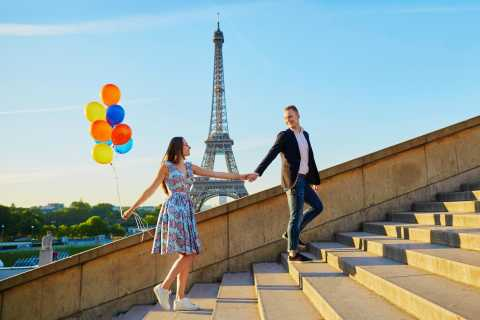 Romantic Paris: Louvre and Eiffel Tower Day Tour from London