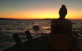 Chania: Sunset Boat Cruise with Guide