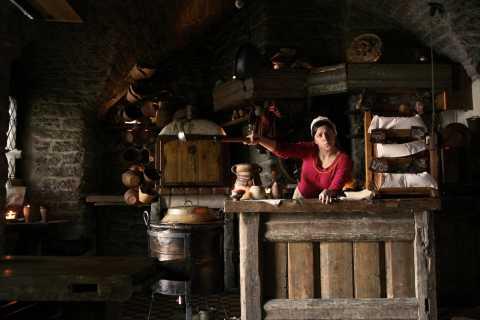Tallinn: Estonian Food, Drinks and History Tour