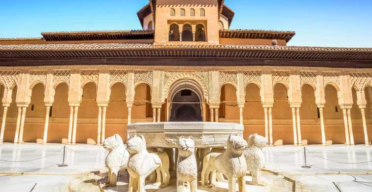 Granada: Alhambra & Generalife Fast-Track Guided Tour