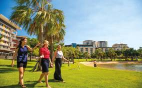 Discover the City of Darwin: Half-Day City Coach Tour
