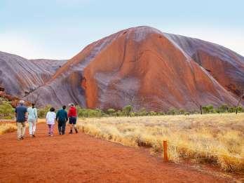 Uluru: Geführter Rundgang bei Sonnenaufgang mit Frühstück