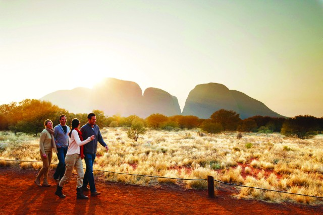 Kata Tjuta Sunrise & Valley of the Winds Tour + Breakfast