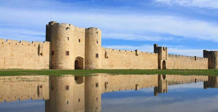 Aigues Mortes: entrada a las murallas medievales