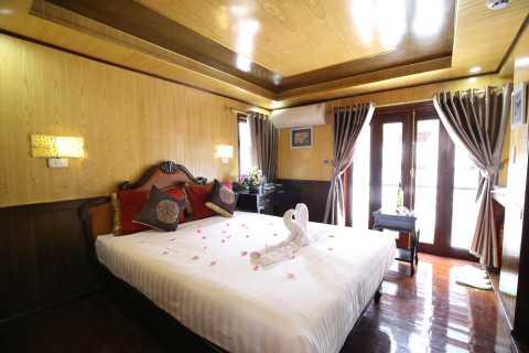 From Hanoi: Bai Tu Long Bay 2-day Cruise