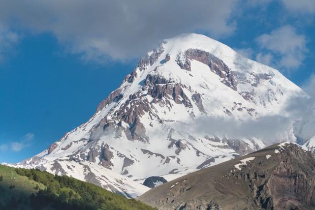 Van Tbilisi: Full-Day Group Tour naar Ananuri en Kazbegi