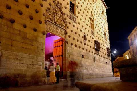 Salamanca: Stories and Legends Theatrical Night Walking Tour
