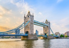 What to do in London - River Thames Hop-On Hop-Off Sightseeing Cruise