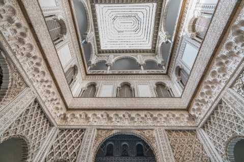 Seville: Alcázar Guided Tour with Priority Entrance