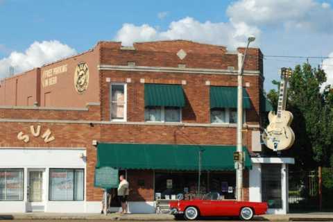 Memphis: Big Mojo Sun Studio + Music History 3-Hour Bus Tour