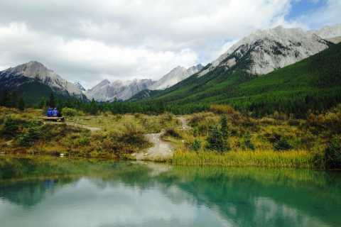 Banff: Johnston Canyon Hike to the Ink Pots