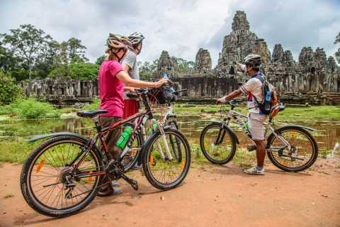 Angkor: Sunrise Bike Tour with Jungle Breakfast & Lunch