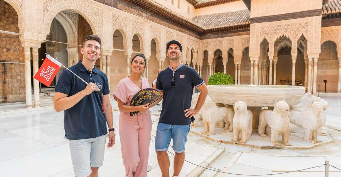 Granada: Alhambra med Nasridiska palatsen på guidad rundtur