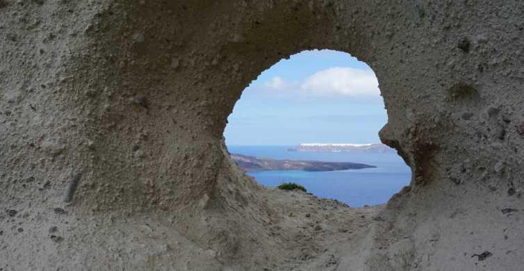 Santorini: Megalochori Village Tour and Wine Tasting