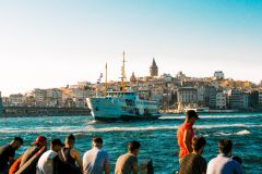 Istambul: Circuito Barco Hop-On-Hop-Off no Bósforo c/ Áudio