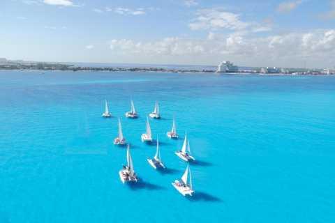 Cancun: Isla Mujeres Catamaran Tour with Reef Snorkeling