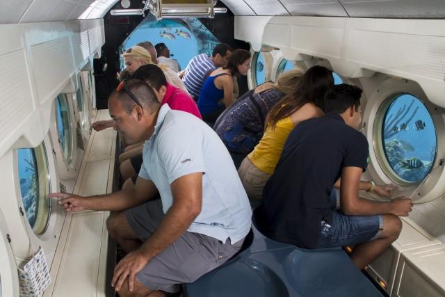 Aruba: Atlantis Submarine Expedition