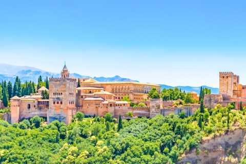 Fast-Track Group Tour of Alhambra