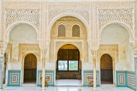 From Seville: Full-day Guided Tour of the Alhambra