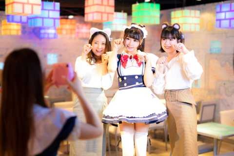 Tokio: Maid-Café-Erlebnis
